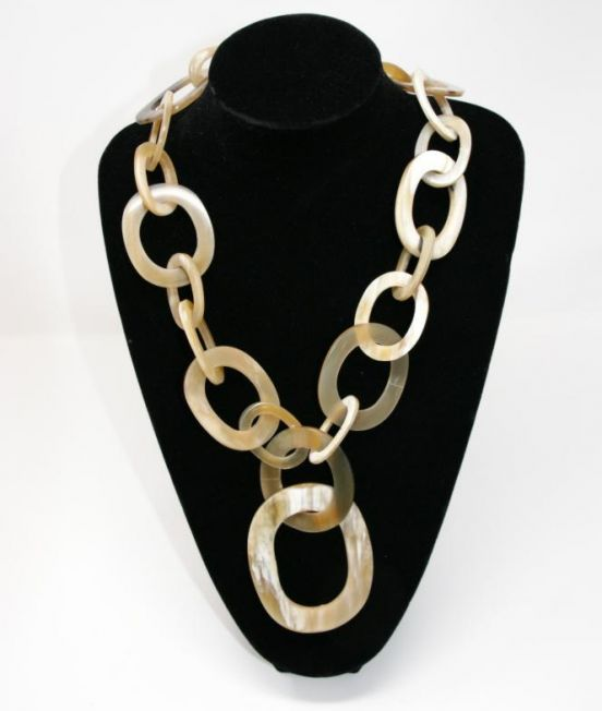 Capella Horn Oxhorn large oval link necklace