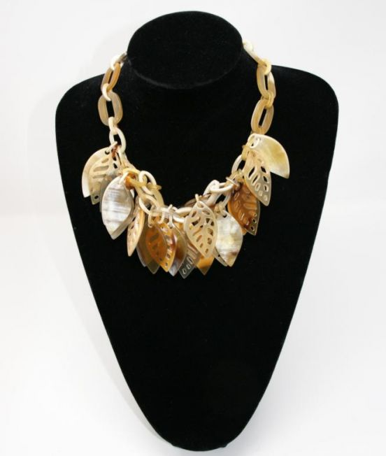 Spanish & Sisters Carved Leaves necklace in pale oxhorn