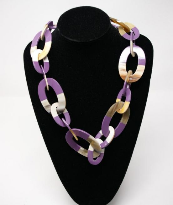 Stephissimo Pale Oxhorn oval link necklace with lilac lacquer