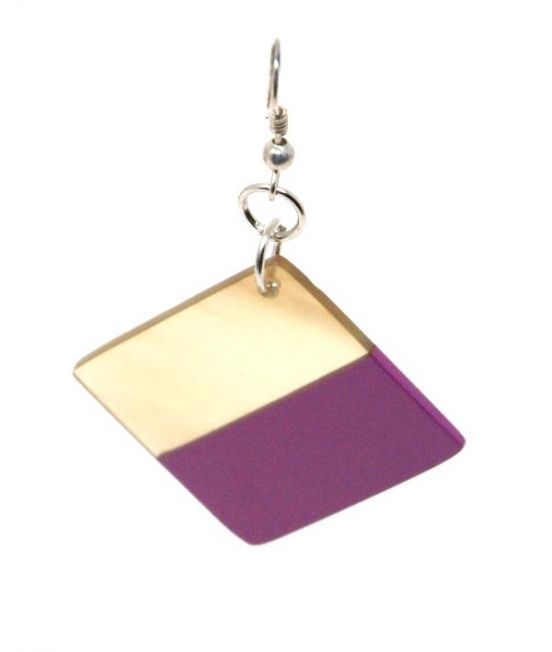 Indochineur Oxhorn Square Earrings - fuschia lacquer - close up