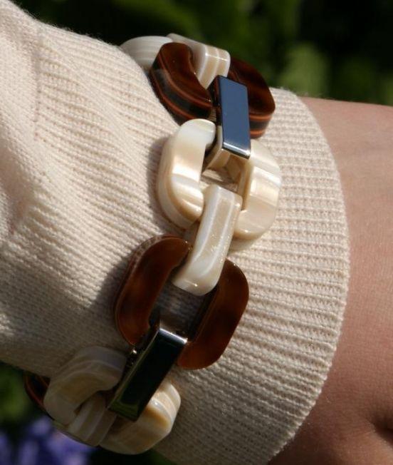 Close up of Xavier Derome Brown/Cream Reversible Bracelet