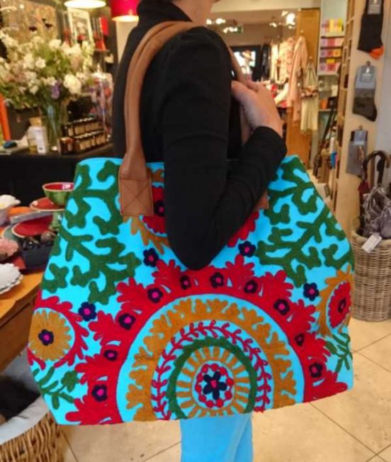 Tote bags with crewel decoration